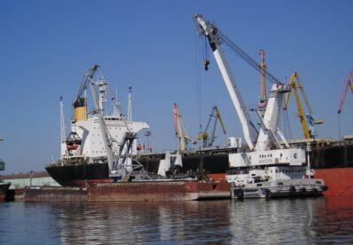 Два державні порти прозвітували про десятки мільйонів збитків